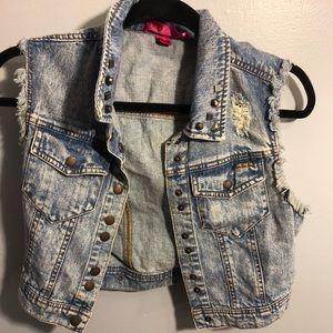 Denim vest with lace design